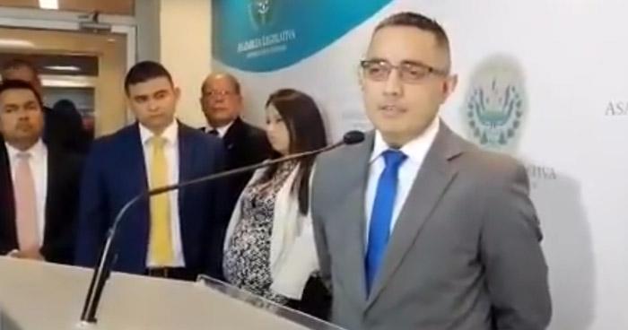 Denuncian que utilizaron a diputados suplentes para elegir al nuevo Procurador de la PDDH