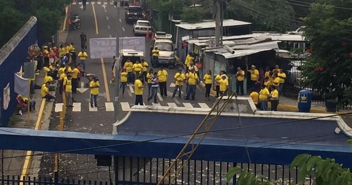 Sindicalistas protestan contra Ley de la Función Pública
