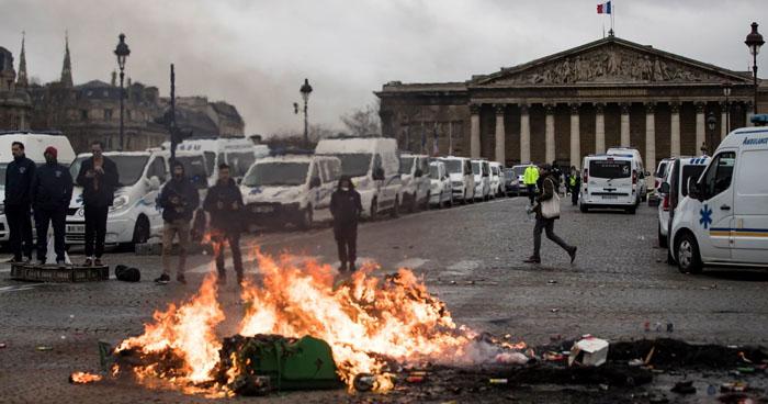 Cuatro personas han muerto durante protestas de los 'chalecos amarillos' en Francia