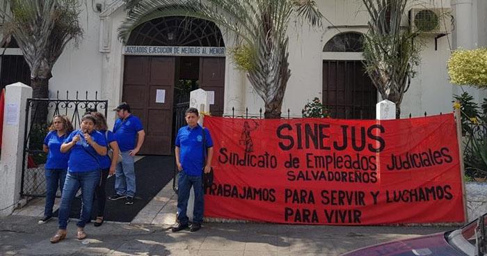 Empleados del juzgado de menores de San Vicente denuncian abuso de poder y marginación