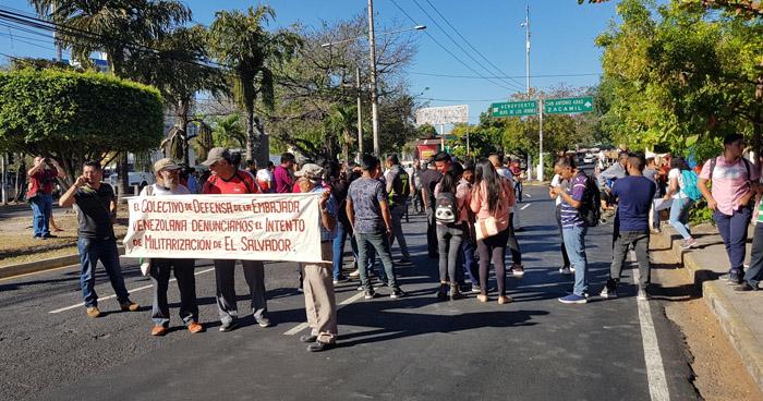 Estudiantes de la UES protestan contra acciones del Presidente Bukele contra la Asamblea