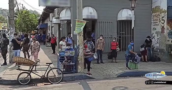 VIDEO | Habitantes del Puerto de La Libertad sin respetar Cuarentena Domiciliar