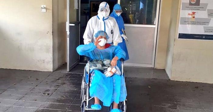 Dan de alta a tres personas más recuperadas de COVID-19