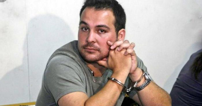 Reo sentenciado a cárcel por asesinar a su esposa, se fuga vestido de mujer con ayuda de una salvadoreña
