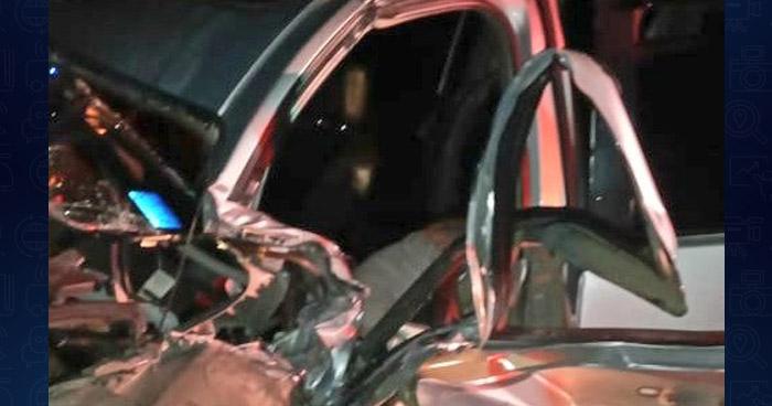 Rescatan a conductor atrapado tras choque en San Miguel