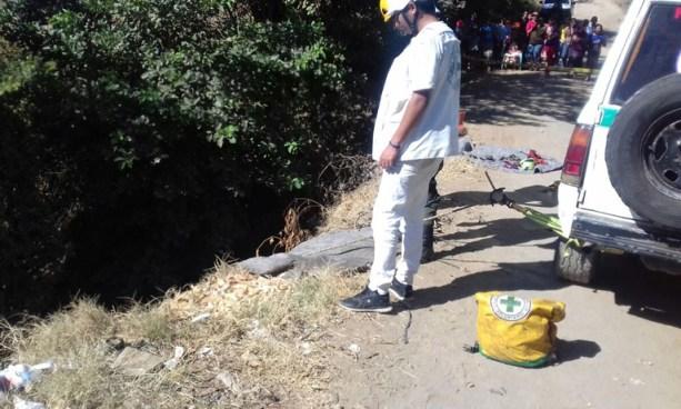 Hombre cae a un barranco, queda inconsciente y muere ahogado en La Libertad