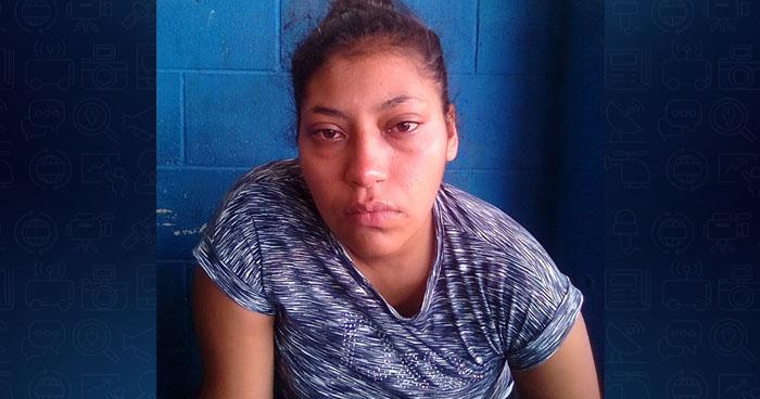 Capturan a mujer al momento que robaba a pasajeros de un autobús Ruta 4