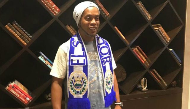 Se comparte la agenda de Ronaldinho en El Salvador