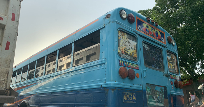 Autobuses Ruta 80, del puerto de La Libertad, amanecen en paro de labores
