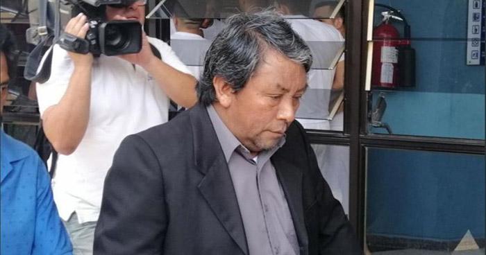 Ordenan difusión Roja contra sacerdote acusado de agredir sexualmente a niña