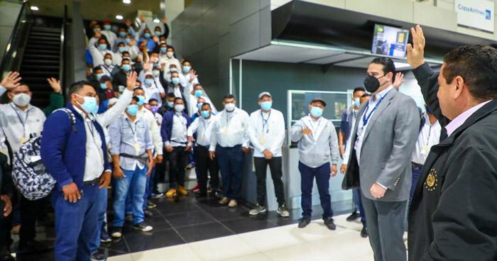 Segundo grupo de salvadoreños viaja a Estados Unidos para realizar trabajos agrícolas