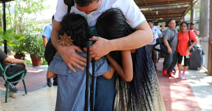 Regresa primer contingente de salvadoreños que viajó a EE.UU. con visa de trabajo temporal