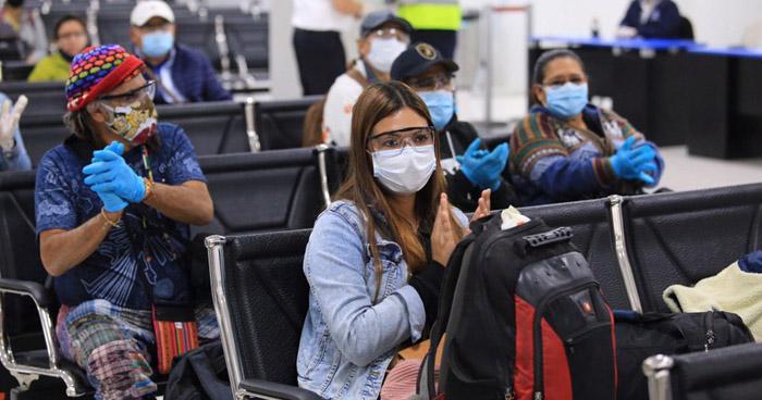 Retornan salvadoreños que permanecían varados en Perú