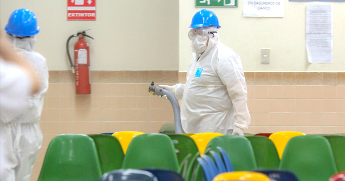 Sanitizan Hospital Rosales ante amenaza del COVID-19