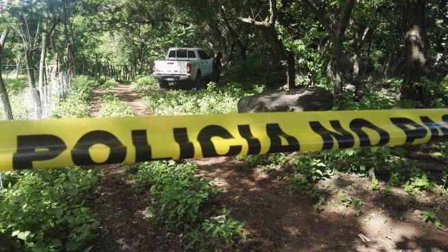 Encuentran cadáver lapidado de un taxista en San Miguel