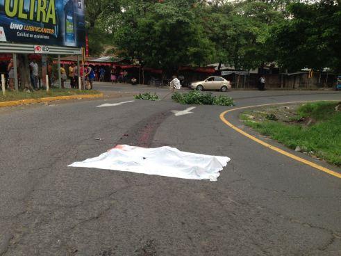 Hombre es destrozado tras ser embestido por una rastra en San Miguel