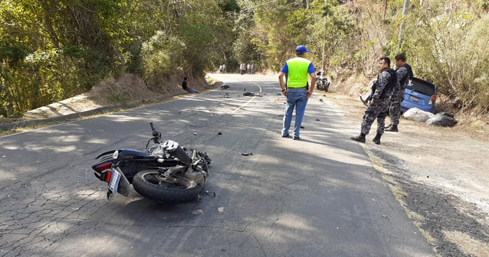 Motociclista muere tras fuerte choque sobre carretera Panorámica en La Paz