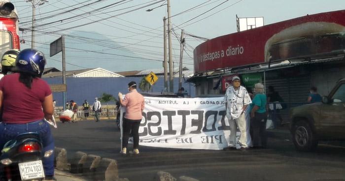 """Sindicalistas salen a las calles para marchar por el """"Día del Trabajo"""" en plena Cuarentena por COVID-19"""