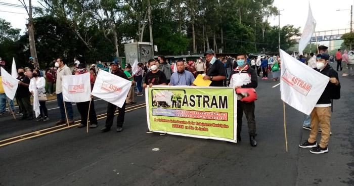 Sindicalistas exigen pago de retenciones de la Alcaldía de San Salvador