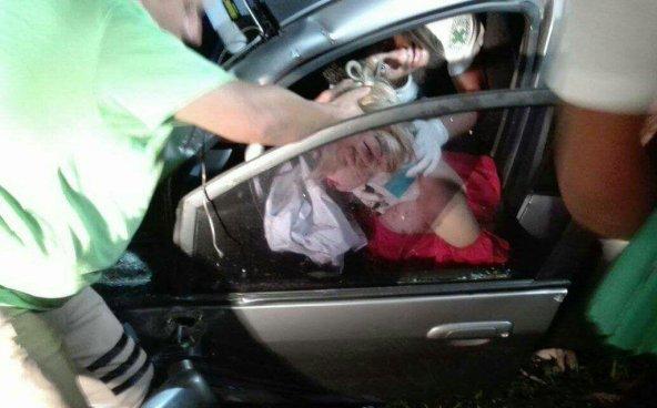 Conductora lesionada tras impactarse contra un árbol en la carretera Panamericana