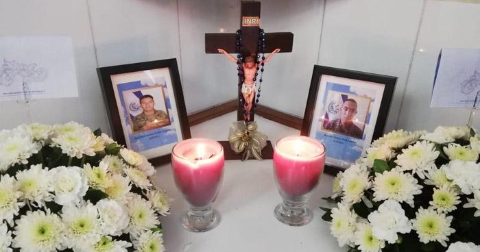 Entregan restos de soldados encontrados en cementerio clandestino de Vista al Lago
