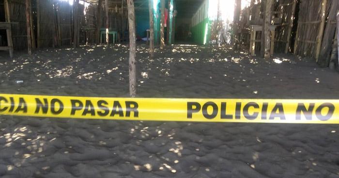 Hombre se suicida en playa Barra de Santiago