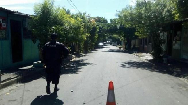 Sujetos a bordo de una motocicleta asesinan a un taxista en San Miguel