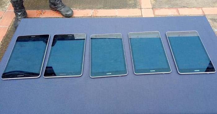 Tres capturados con tablets y computadoras robadas de un centro escolar