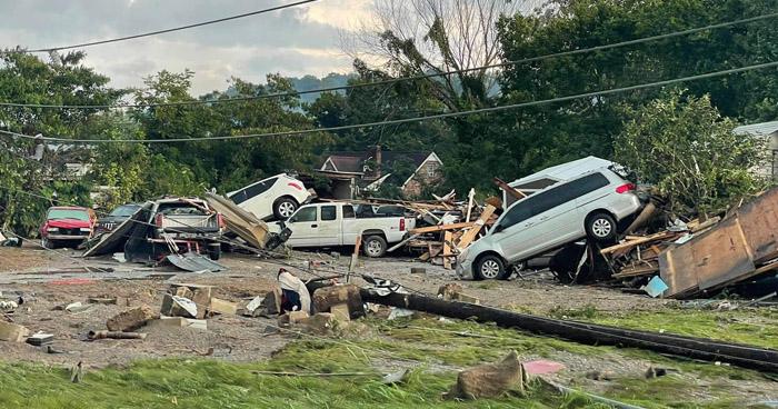 Al menos 21 muertos y 20 desaparecidos tras inundaciones en Tennessee, Estados Unidos