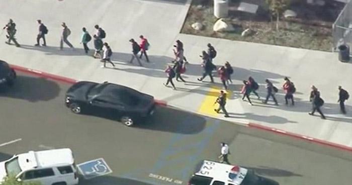 Un muerto y 7 heridos tras tiroteo en escuela secundaria del sur de California