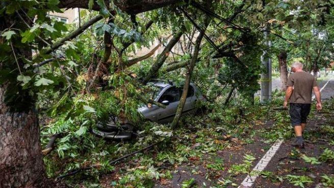 Ocho muertos y decenas de heridos tras tormenta 'violenta' en Rumania