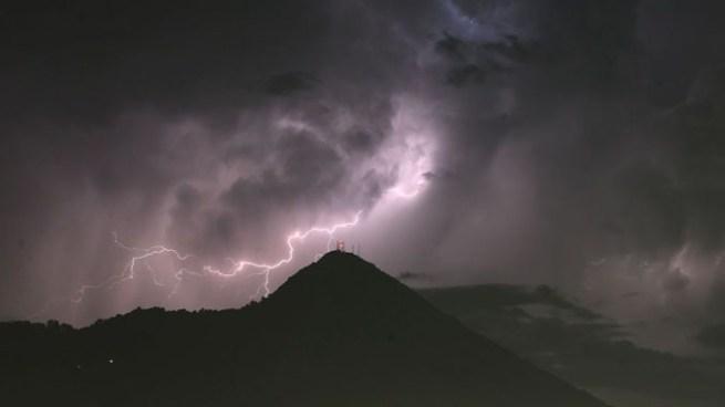 Se esperan tormentas eléctricas para la tarde y noche de este domingo