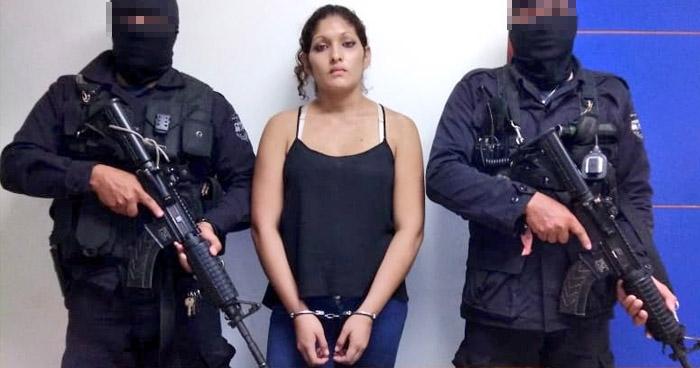 Capturan a mujer que distribuía droga en colonia de La Paz