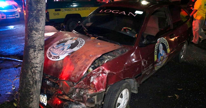 Siete lesionados tras triple choque en San Salvador