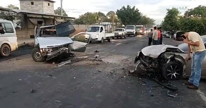 Varios lesionados tras choques sobre carretera Troncal del Norte