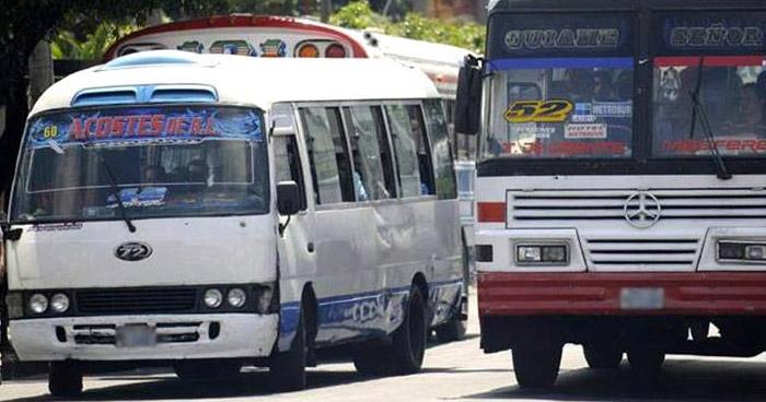 Transportistas piden beneficios económicos para sobrellevar la crisis