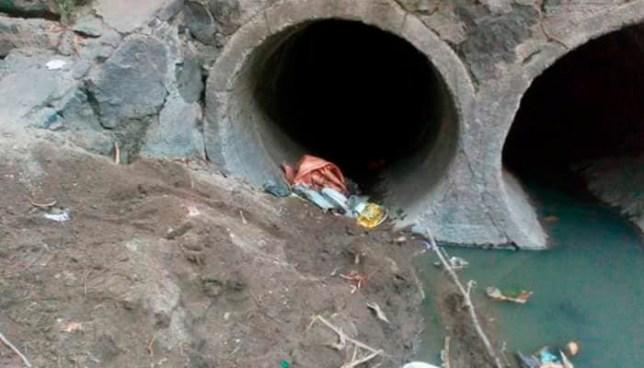 Encuentran 2 cadaveres en tubos de aguas negras del rio acelhuate en comunidad de San Salvador