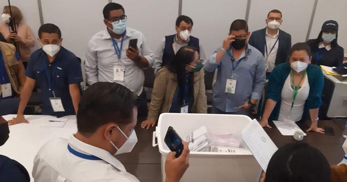 TSE abre paquetes electorales de Santa Marta y otros centros de votación