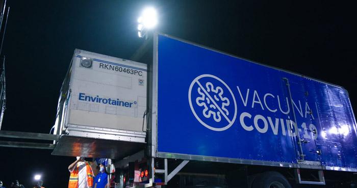 Llegan a El Salvador 163.200 dosis de vacunas anti-COVID19