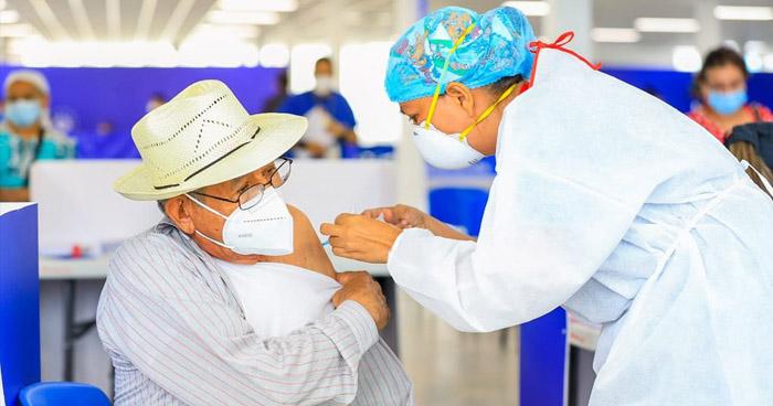Mañana llegarán 96.000 vacunas contra el COVID-19 a El Salvador