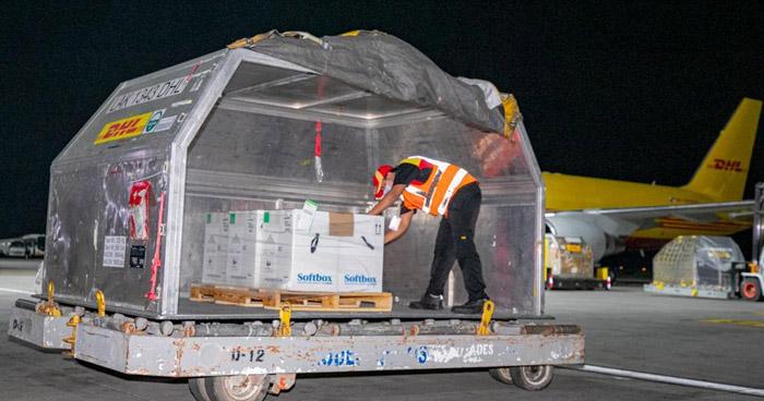 El Salvador recibe cargamento con más de 33 mil vacunas antiCOVID de Pfizer