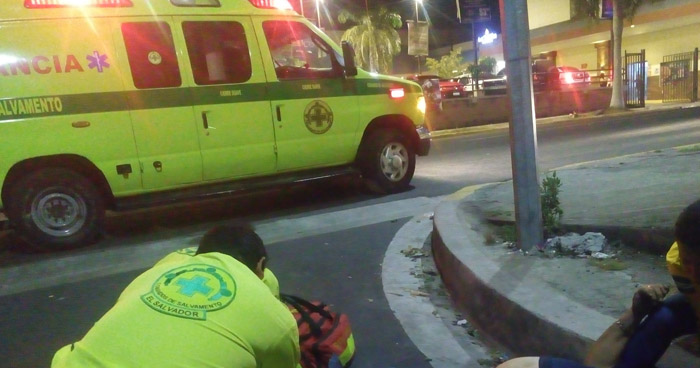 Vapulean y asaltan a un hombre en San Salvador