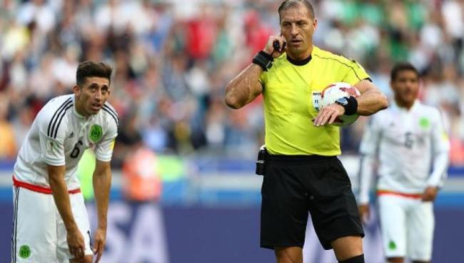 ¿Qué es el VAR, cómo funciona, beneficia o quita emoción al fútbol?