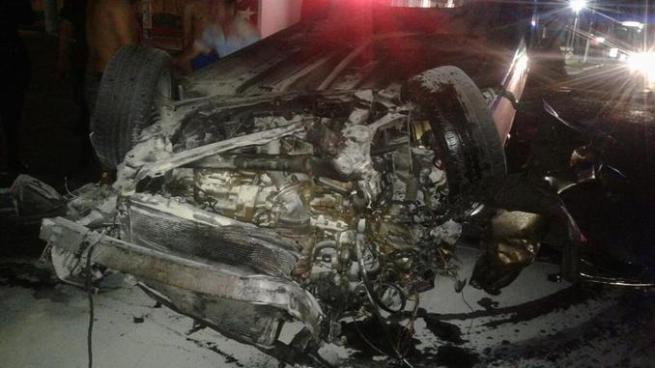 Conductor lesionado luego que vehículo volcara sobre la calle Chiltiupán