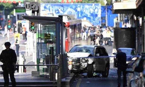Dos sujetos arrestados tras atropello múltiple en calle peatonal de Melbourne, Australia
