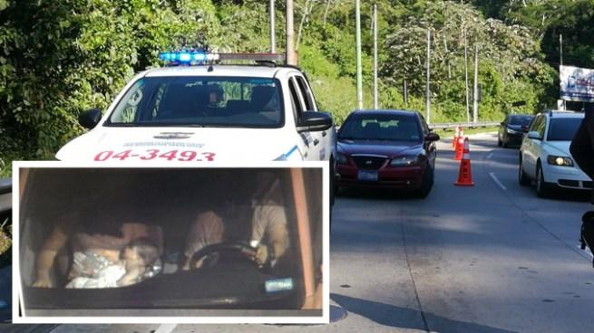 Vehículo con reporte de robo es interceptado sobre la autopista Los Chorros y capturan a varios pandilleros