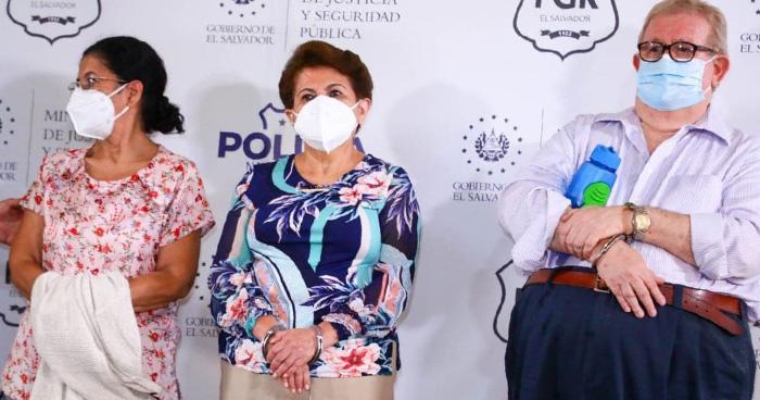 Ordenan capturar a 10 exfuncionarios del Gobierno de Mauricio Funes por caso Sobresueldos
