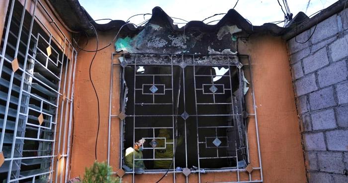 Al menos 21 viviendas resultaron dañadas tras incendio en planta de gas en Soyapango