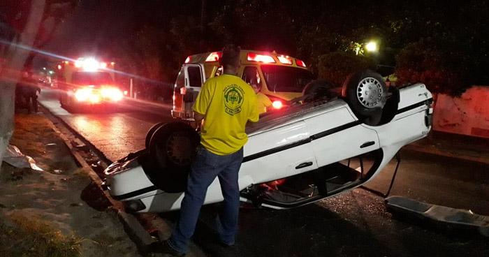 Conductor ebrio provoca accidente y deja dos lesionados en San Salvador