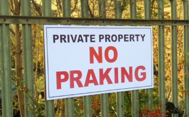 No Parking spelling mistake